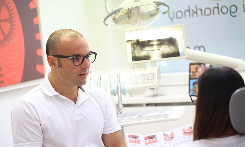 Zahnarzt Dr. Mani Goharkhay - abnehmbare Prothetik